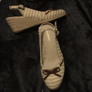 Size 9 closed toe sandal wedges